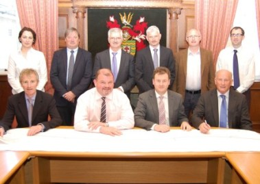 Signing of Road Contracts 379 x 269